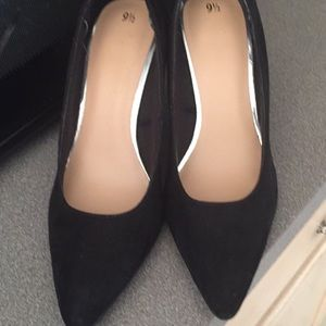 Kardashian's Brand New Women's Black Stilettos